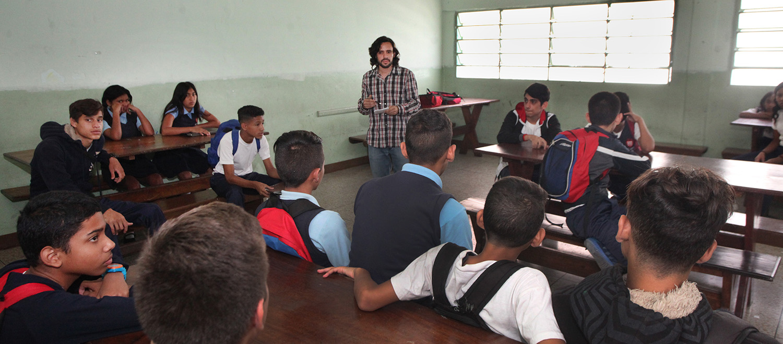 Conoce 10 buenas prácticas de gestión educativa aplicadas en instituciones caraqueñas