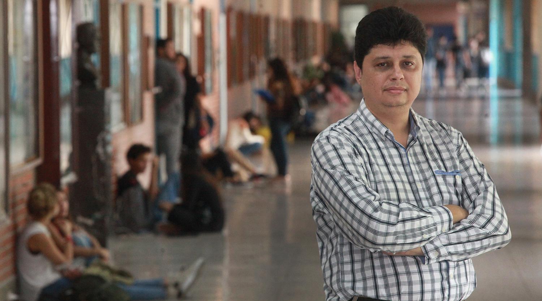 """José Javier Salas: """"para apoyar la educación no sirven cursillos de emergencia"""""""