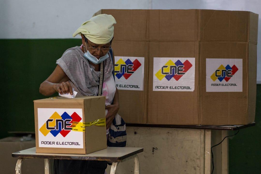 53% de los venezolanos asegura que votará  en las elecciones regionales, según encuesta Delphos-UCAB